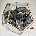 terariu protectie energetica - turmalina neagra terariu cristale terariu protectie energetica - turmalina neagra 3